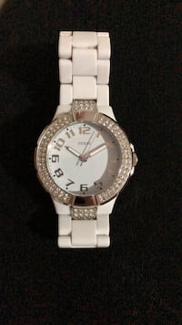 round silver-colored analog watch with link bracelet Hamilton, L9C 2V2