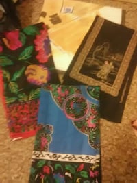 Beautiful different sized scarves Chico, 95926