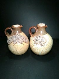 pottery oil and vinegar