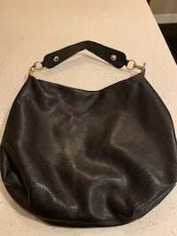 Black leather shoulder bag Calgary, T3M 1S8