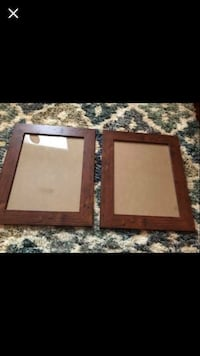 Pair of 10x13 picture frames  Simpsonville, 29681