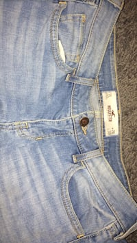 light blue hollister jeans Winnipeg, R2V 4H3