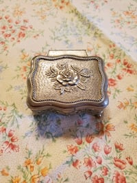 Silver Rose footed trinket jewelry box  Essex, 21221