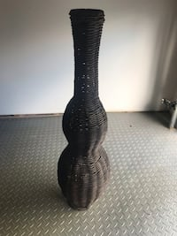 """Whicker vase 31"""" Laval, H7T 0A9"""