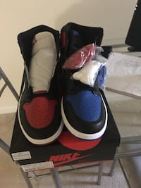 Ds top 3s SiZe 11.5  Chantilly, 20105