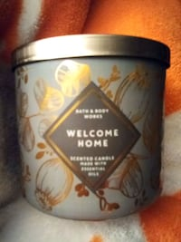 New Bath & Body works scented candle .Welcome Home Sparta, 38583