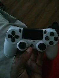 white Sony PS4 game controller New Orleans, 70128