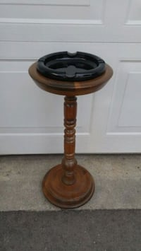 VINTAGE WOODEN PEDESTAL ASHTRAY Burlington, L7P 2V9