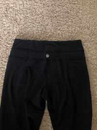 Lululemon yoga pants Edmonton