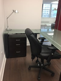 Glass desk and office rolling chair-REDUCED IF PICKED UP BY WEDNESDAY ! Montreal, H3B 3G1