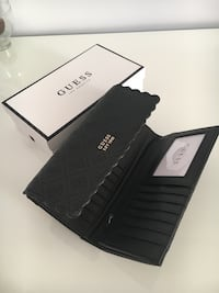 Black leather Guess wallet  London, NW2 3RP