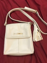 white leather 2-way bag Montréal, H3H 2G3