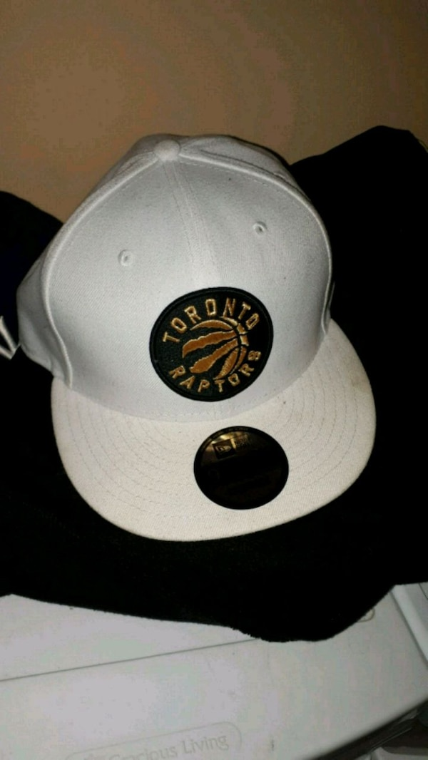 4603d8453fab1a Used Toronto Raptors SnapBack for sale in Toronto - letgo