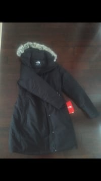 Brand new north face medium winter jacket negotiable  Ajax, L1T 4S5
