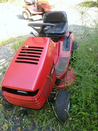 Running Riding Mower Lawn Tractor.