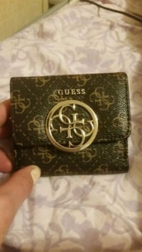 Guess coin purse brand new never used Edmonton, T6S 1B4