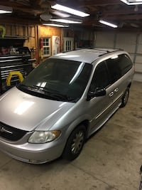 2003 Chrysler Town & Country Sellersburg