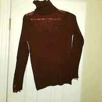 Burgundy turtle neck sweater with embroidery with rhinestones new Toronto, M2M 3C1