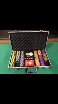 Poker Table Top, and full set of casino grade chips