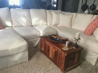 Ashley Furniture 3-piece sectional couch Hamilton, L8T 3Z4