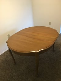 Oval brown wooden table with two chairs Frederick, 21702