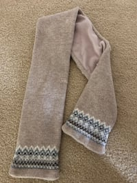 Jacardi kids scarf excellent condition leesburg  Leesburg, 20176