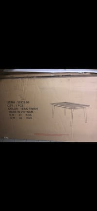 Solid wood dining table Markham, L3T 0C8