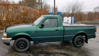 Ford - Ranger - 2000-127k! Gas Saver!! Akron, 44312