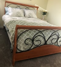 Sleigh Bed - Queen Oakville