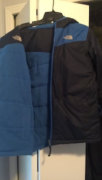 blue and black The North Face bubble jackt Brookeville, 20833