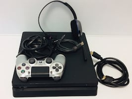 SONY PS 4 CUH1215A WITH CABLES CONTROLLER AND HEADPHONES