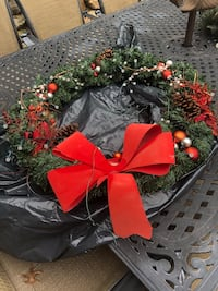 Wreath with lights battery operated  Carlstadt, 07072