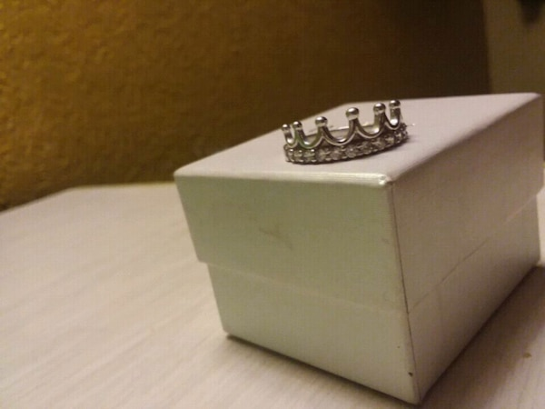 925 Silver stamped women's (crown) ring