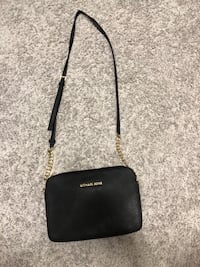 26835bbb0e61 Used Michael Kors Purse, Michael Kors Crossbody for sale in Plano ...