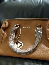 Michael Kors Purse Surrey, V3T 2H9