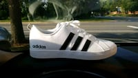 pair of Mens white Adidas size 9 Fairfax, 22030
