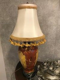 Beautiful lamp in excellent condition  Brampton, L7A
