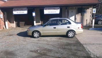 2002 Hyundai Accent GS 4AT