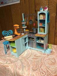 toddler's assorted plastic toys Woodbine, 21797