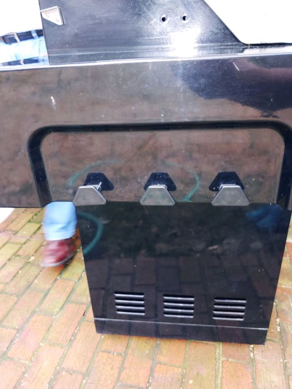 Large KitchenAid Propane Grill 2