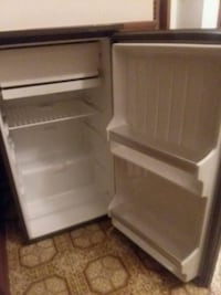 white single-door refrigerator Springfield, 65802