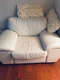 Quality White Furniture  Clinton, 20735