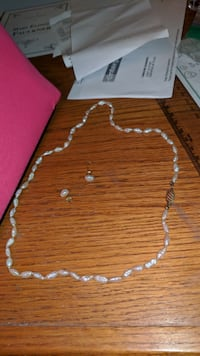 Fresh water pearl necklace Edmonton