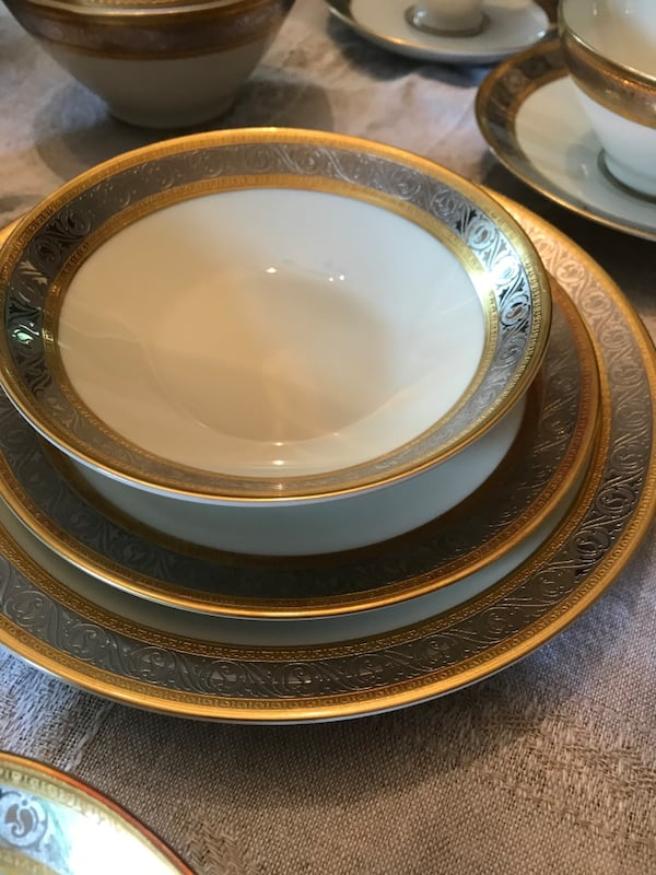 Rosenthal Duchess China Set purchased in Vienna 6e4f6671-ee3c-4652-963c-f9061bed3424