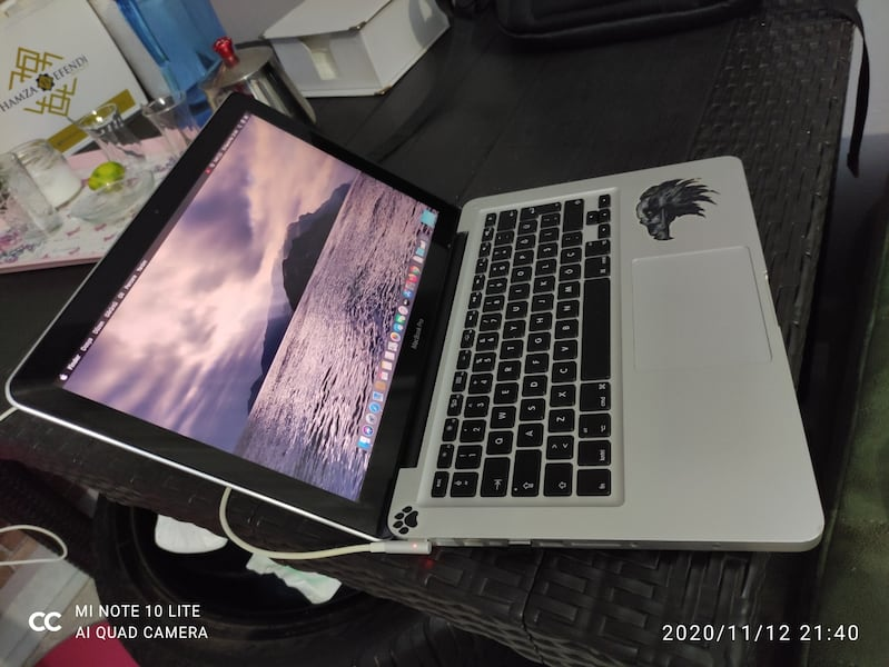Macbook pro i5 250ssd 500hdd 6
