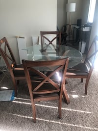 Dinning table with 4 chairs.