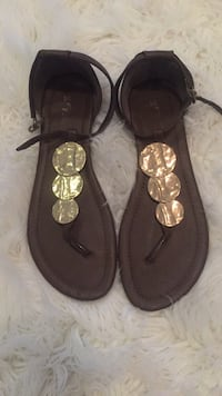Size 8 brown and gold flats Toronto, M1P 5C4