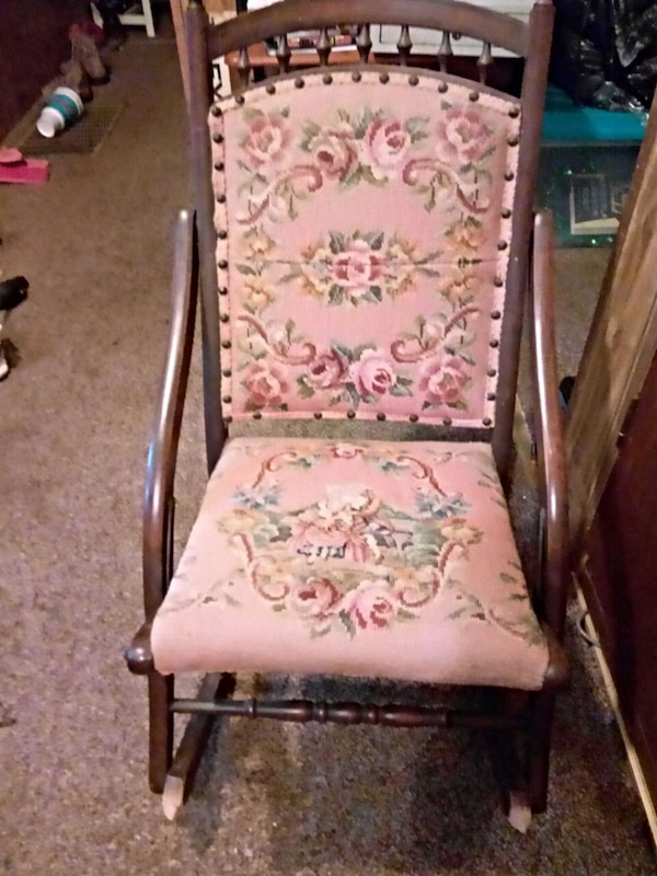 Peachy 100 Yr Old Antique Sewing Rocker Rocking Chair Gmtry Best Dining Table And Chair Ideas Images Gmtryco