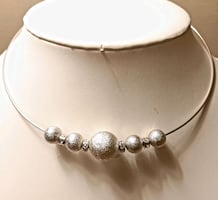 Absolutely Gorgeous Fifth Avenue Collection Necklace!