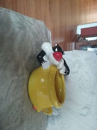Sylvester and Tweety ceramic jar Fort Myers, 33916